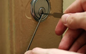 Door locks Farnworth